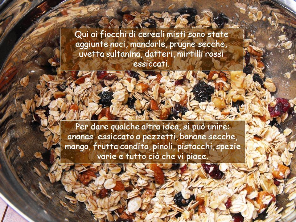 Il MUESLI è una miscela di fiocchi di cereali e frutta secca, derivante dal Birchermuesli che abbiamo già visto.