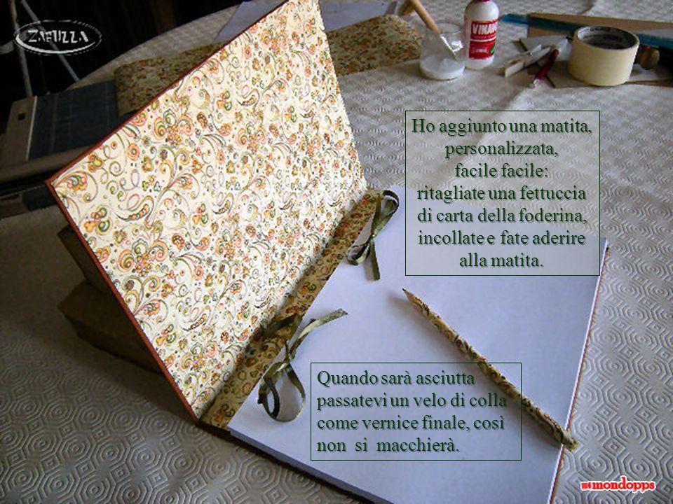 Ed ecco un romanticissimo e personalissimo diario, ma con un occhio al futuro: i fiocchi si possono sciogliere e le pagine si possono stampare, il formato è A4!