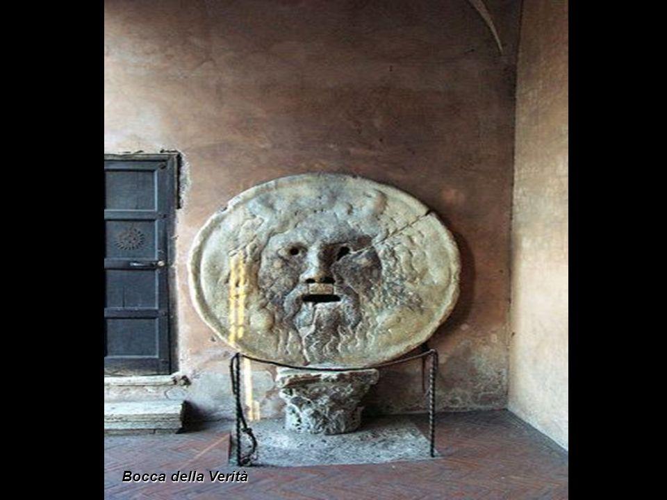 Questa chiesa è stata costruita nel VI secolo sopra i resti del Templum Herculis Pompeiani, uno dei centri di distribuzione di generi alimentari della