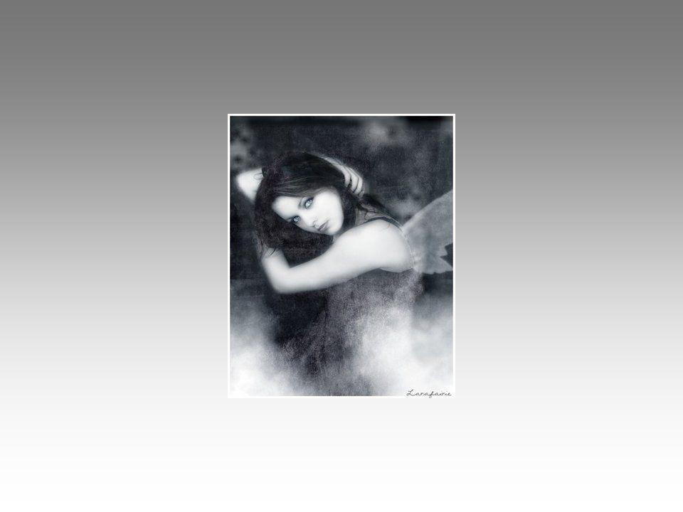 L'abbraccio di un angelo per ognuno di voi, unico, prezioso, infinito... La spinta saggia, incosciente e salvifica di un angelo per te, che guardi i t