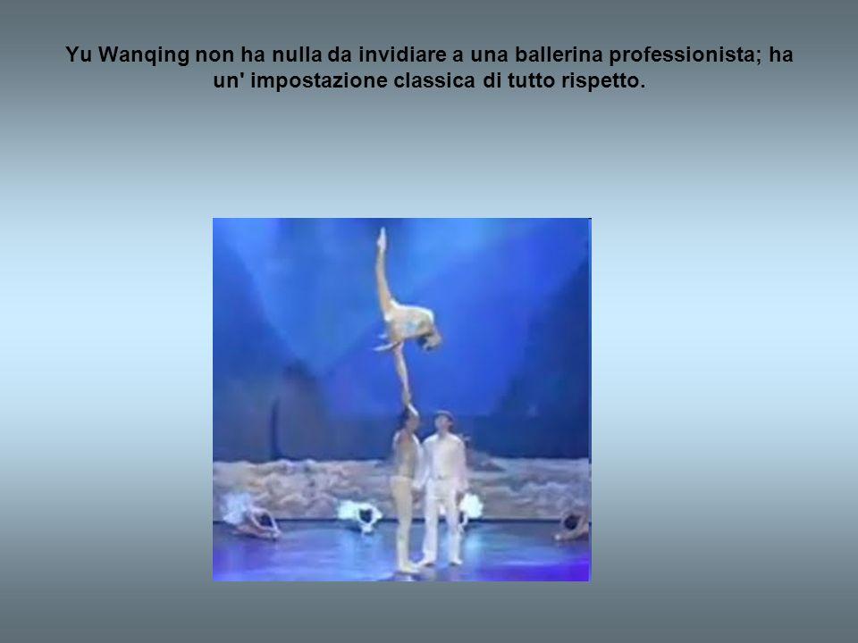 Questo spettacolo è la fusione perfetta tra danza e circo.