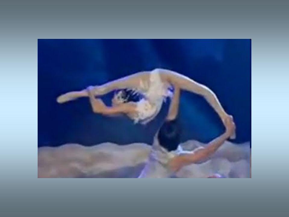 Yu Wanqing non ha nulla da invidiare a una ballerina professionista; ha un impostazione classica di tutto rispetto.
