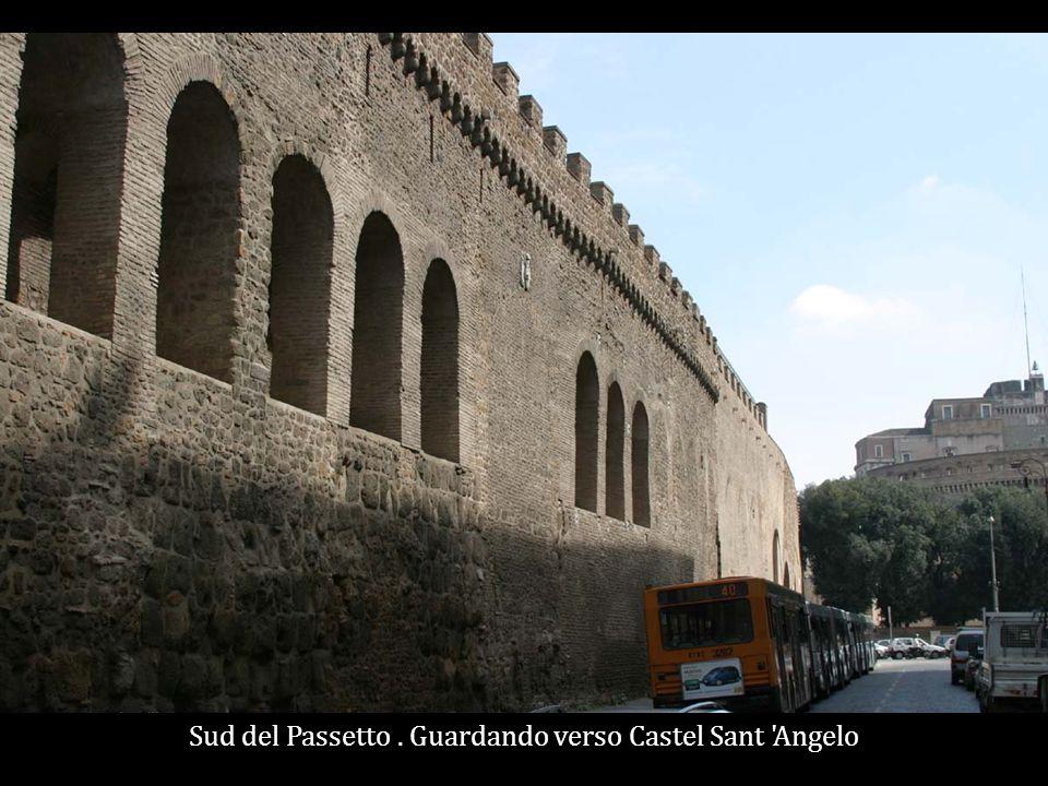 Sud del Passetto. Guardando verso Castel Sant Angelo