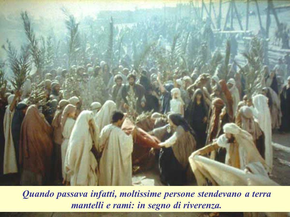 C O M M E M O R A Z I O N E D E L L I N G R E S S O D I G E S U A G E R U S A L E M M E VANGELO (Marco 11,1-10) La domenica prima di Pasqua, Gesù ormai era arrivato ai villaggi di Bètfage e Betània, vicino al monte degli Ulivi: alla periferia di Gerusalemme.