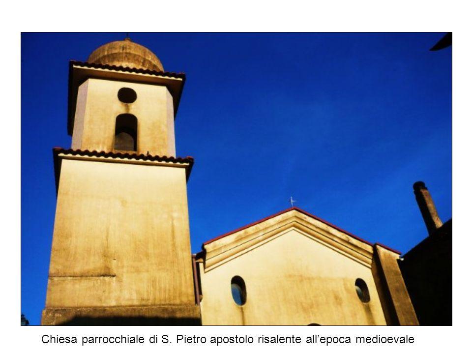 Chiesa parrocchiale di S. Pietro apostolo risalente allepoca medioevale