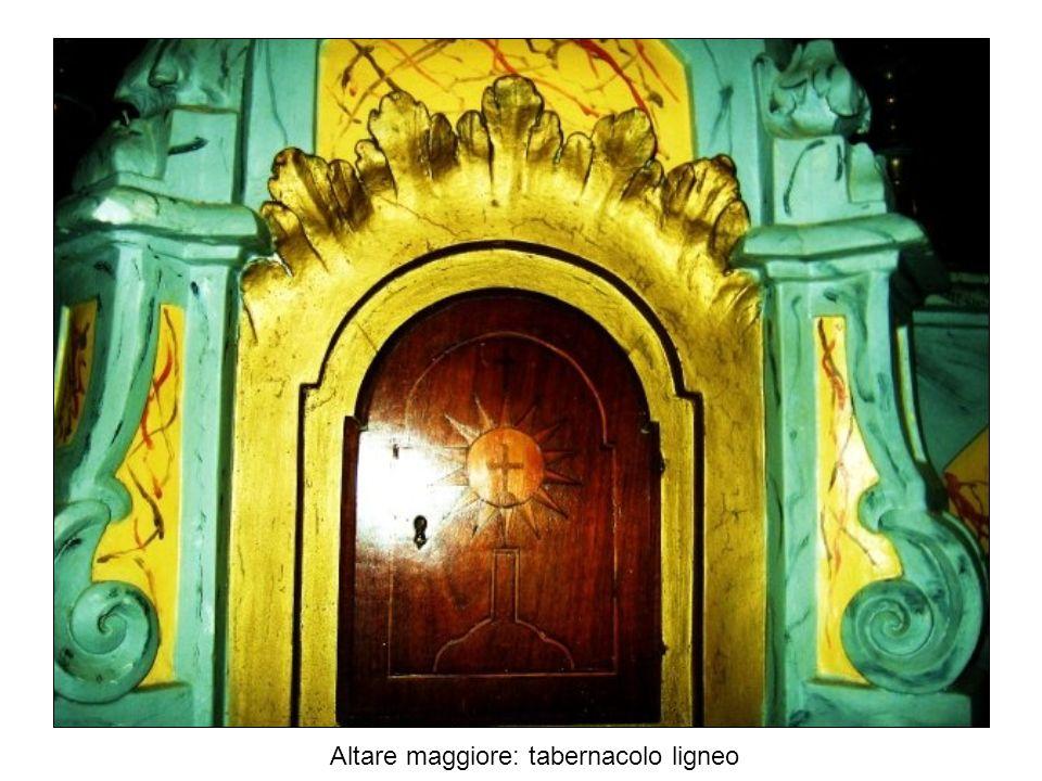 Altare maggiore: tabernacolo ligneo