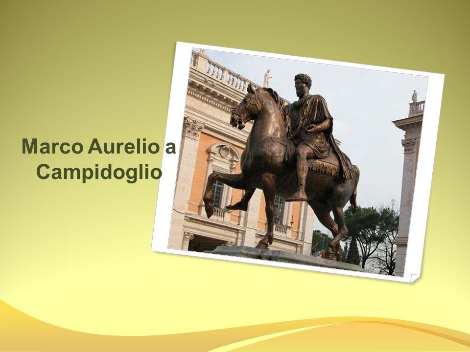 Fontana della Barcaccia è una celebre fontana di Roma, situata in Piazza di Spagna ai piedi della scalinata di Trinità dei Monti, che deve il suo nome alla sua forma di barcone che affonda.RomaPiazza di SpagnaTrinità dei Monti