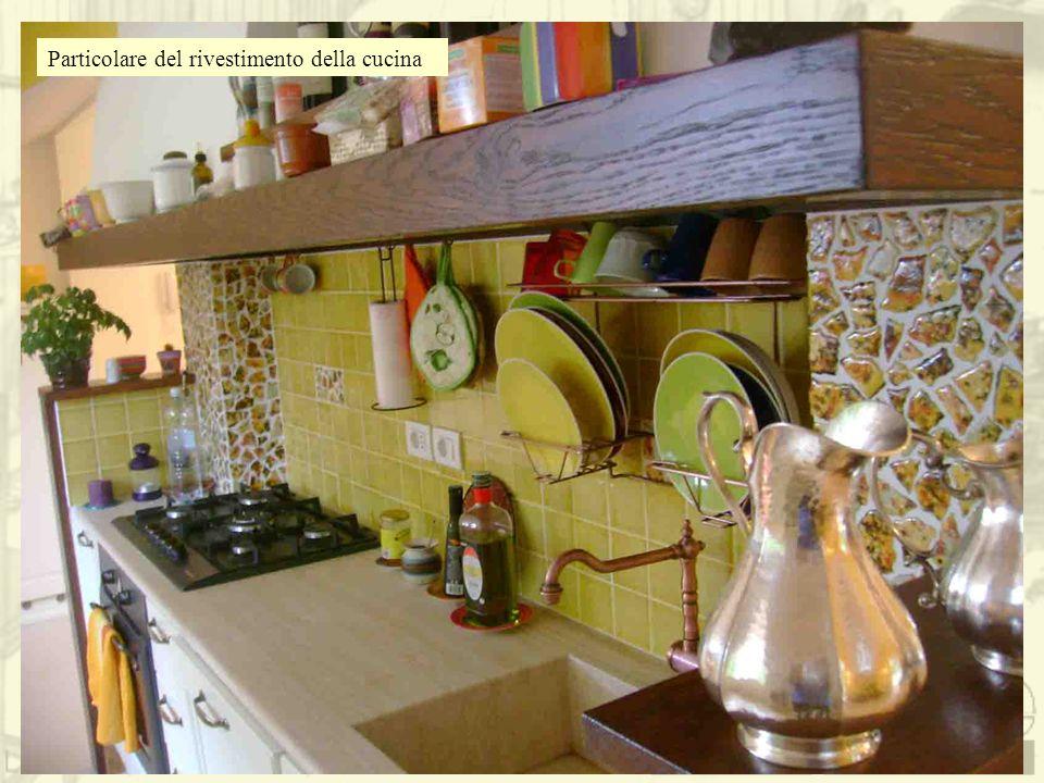 Particolare del rivestimento della cucina