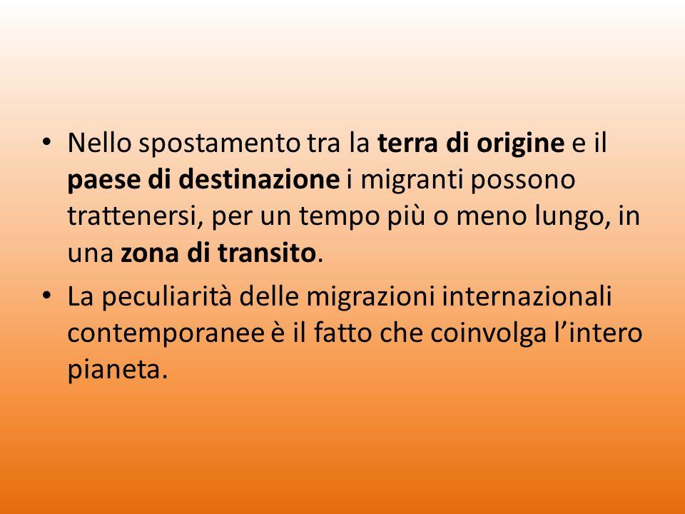 Nello spostamento tra la terra di origine e il paese di destinazione i migranti possono trattenersi, per un tempo più o meno lungo, in una zona di transito.