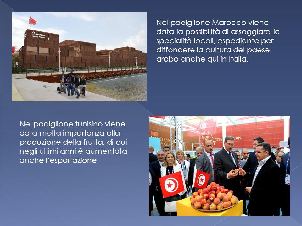 Nel padiglione Marocco viene data la possibilità di assaggiare le specialità locali, espediente per diffondere la cultura del paese arabo anche qui in Italia.