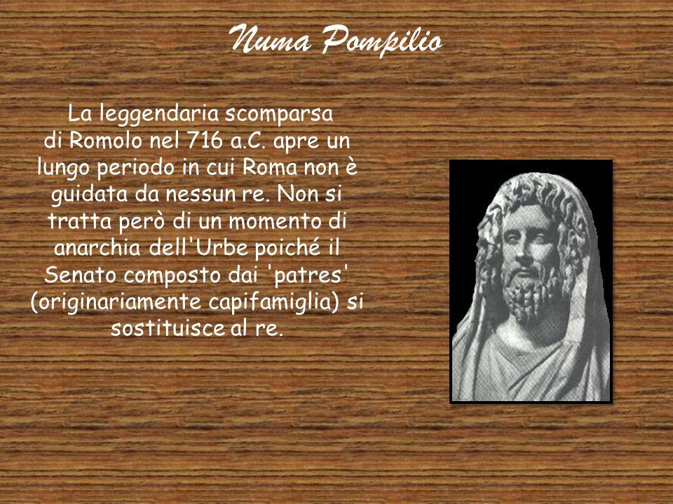 Romolo Dopo la fondazione leggendaria della città, Romolo (che probabilmente derivò il suo nome dalla città, anziché il contrario) ne divenne il suo p