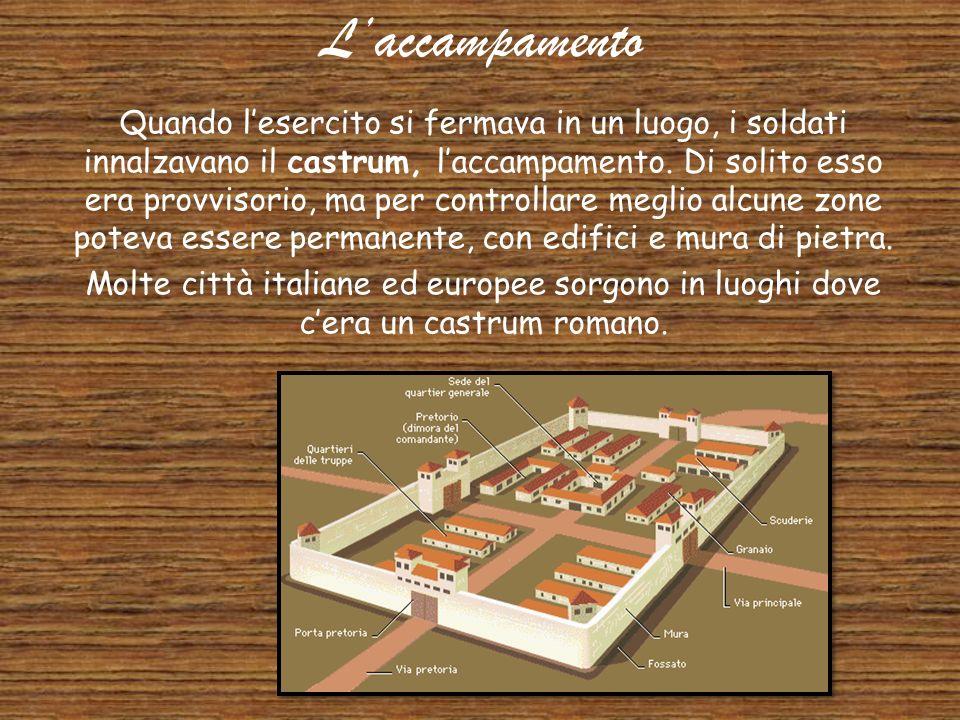 L'esercito Romano Ogni cittadino aveva il compito di fare parte dell'esercito. Fare parte dell'esercito era un dovere e anche un onore per i Romani. N