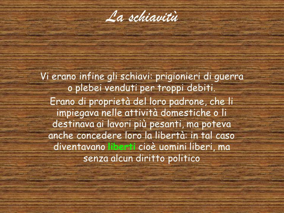 La società romana Patrizi e plebei formavano la società di Roma. All'inizio patrizi e plebei non stavano insieme e formavano due gruppi differenti: ●