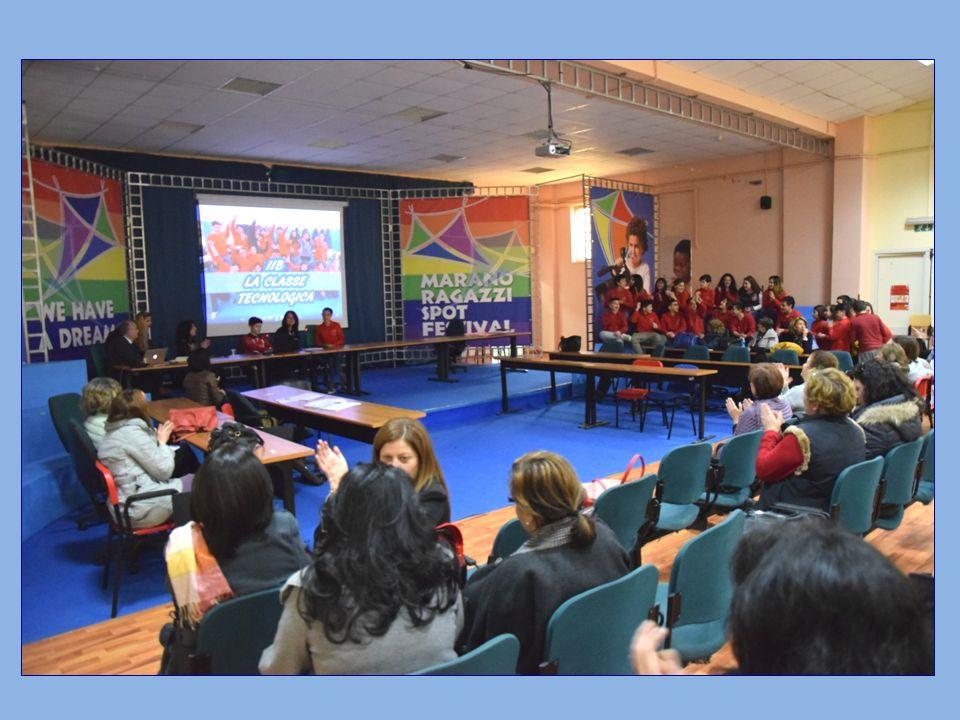 Durante la manifestazione hanno parlato alunni e docenti di diverse scuole e dopo una breve pausa è stata invitato il nostro Istituto Comprensivo per presentare la classe 2.0.