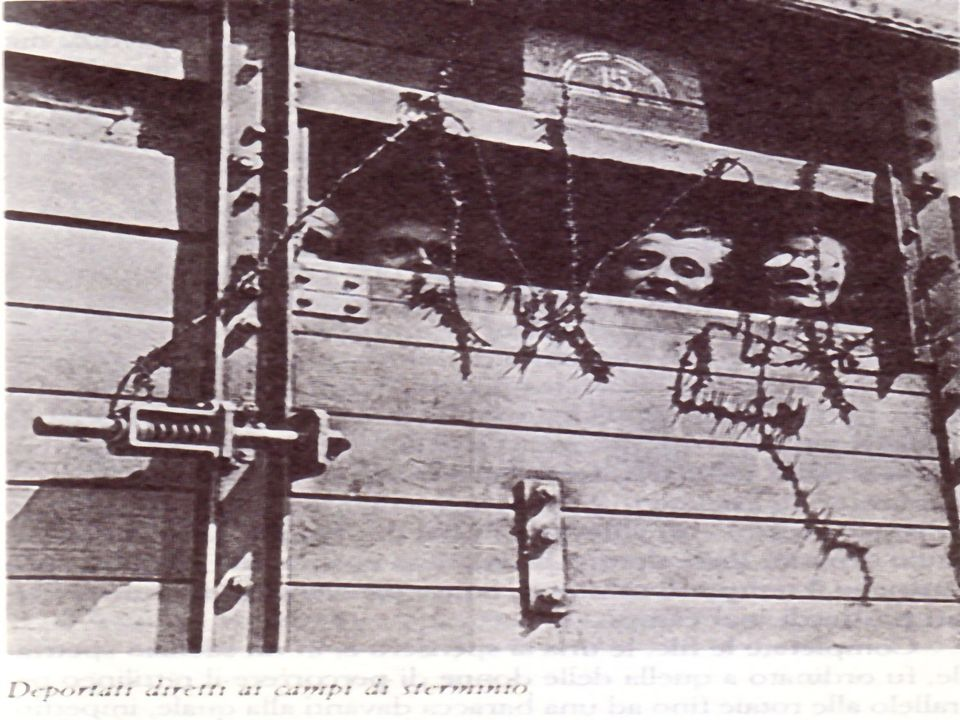 Il lavoro rende liberi Scritta che si trova sul cancello dellentrata di Auschwitz