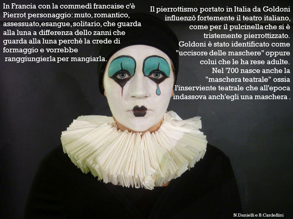 In Francia con la commedì francaise c'è Pierrot personaggio: muto, romantico, assessuato,esangue, solitario, che guarda alla luna a differenza dello z