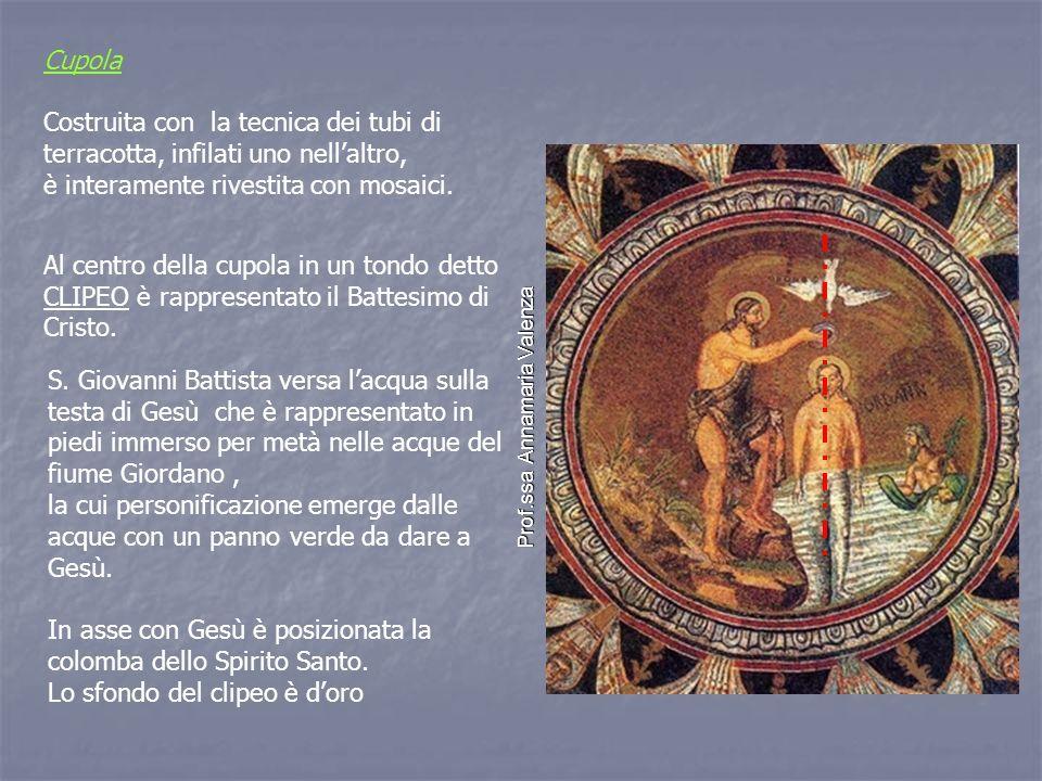 Cupola Costruita con la tecnica dei tubi di terracotta, infilati uno nell'altro, è interamente rivestita con mosaici.