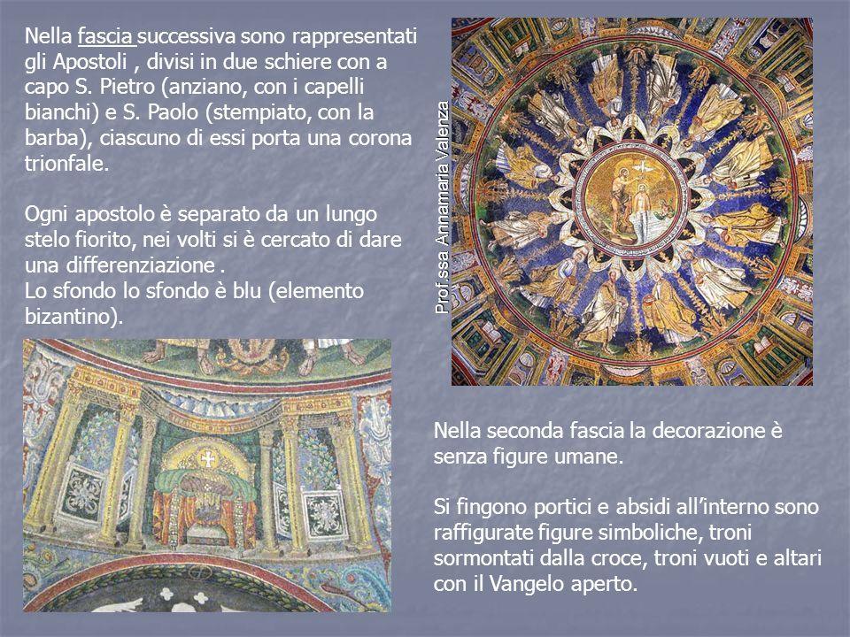 Nella fascia successiva sono rappresentati gli Apostoli, divisi in due schiere con a capo S.