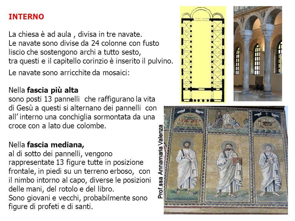 INTERNO La chiesa è ad aula, divisa in tre navate.
