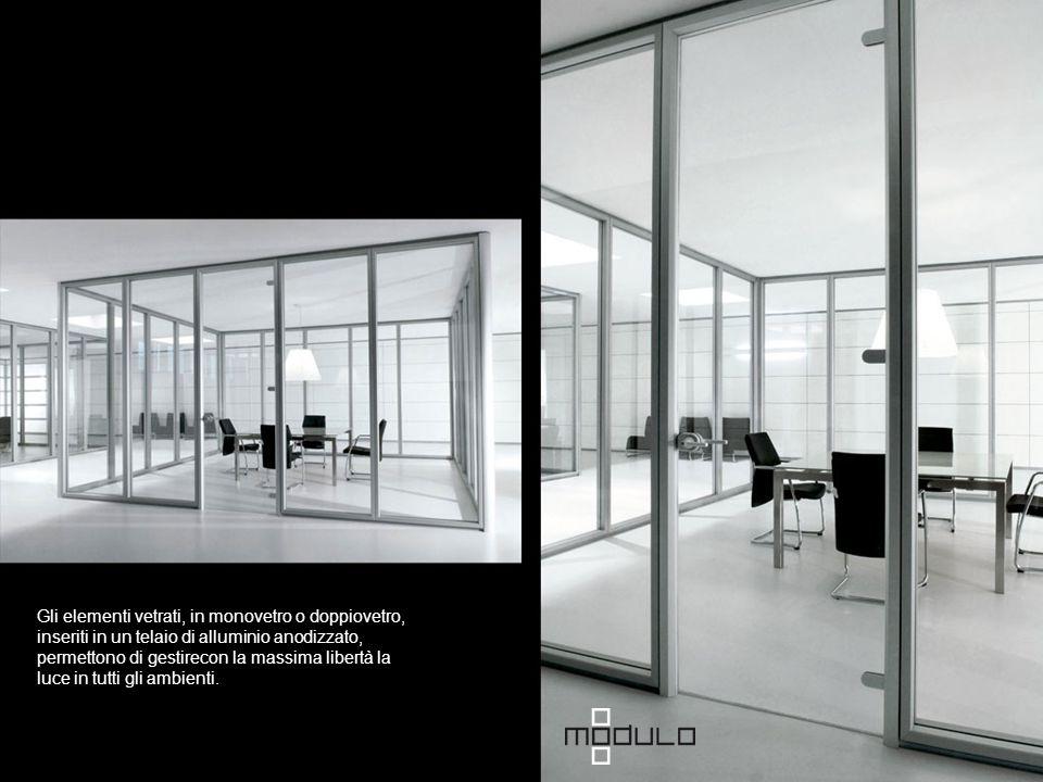 Gli elementi vetrati, in monovetro o doppiovetro, inseriti in un telaio di alluminio anodizzato, permettono di gestirecon la massima libertà la luce in tutti gli ambienti.