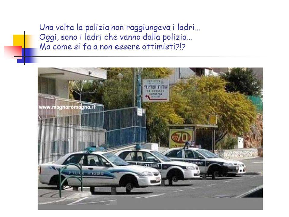 Una volta non si trovava mai parcheggio… Oggi, si possono parcheggiare le macchine anche in verticale per risparmiare spazio… Ma come si fa a non essere ottimisti?!?