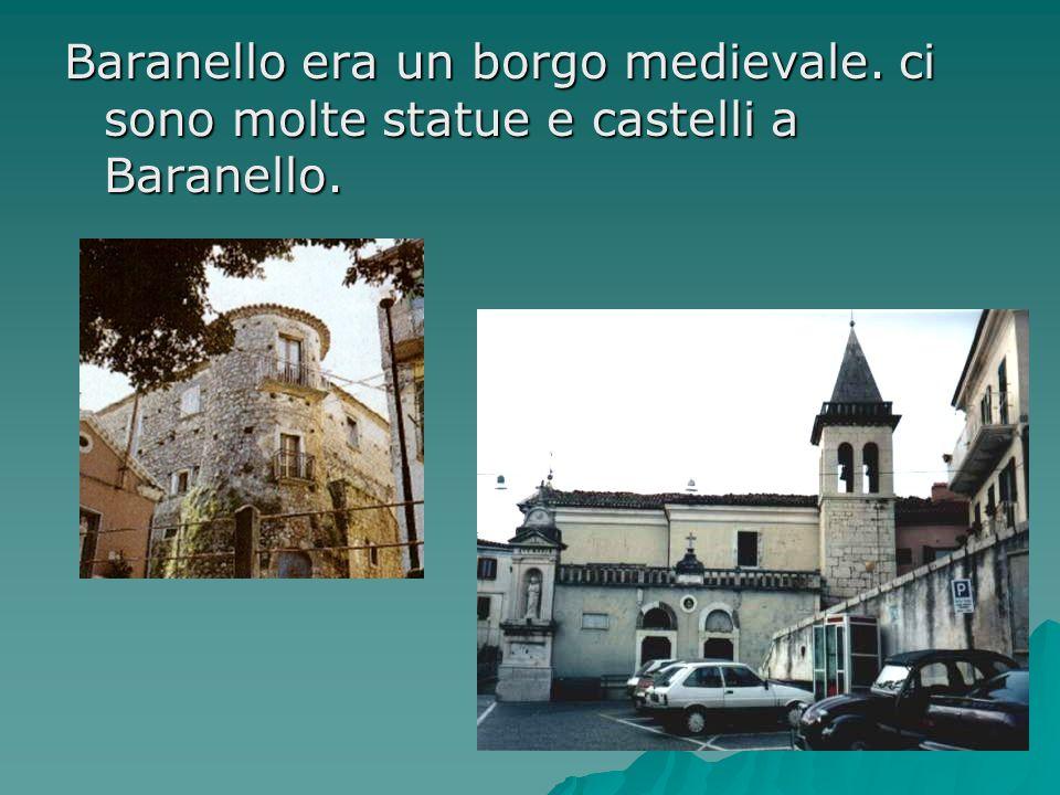 Baranello era un borgo medievale. ci sono molte statue e castelli a Baranello.