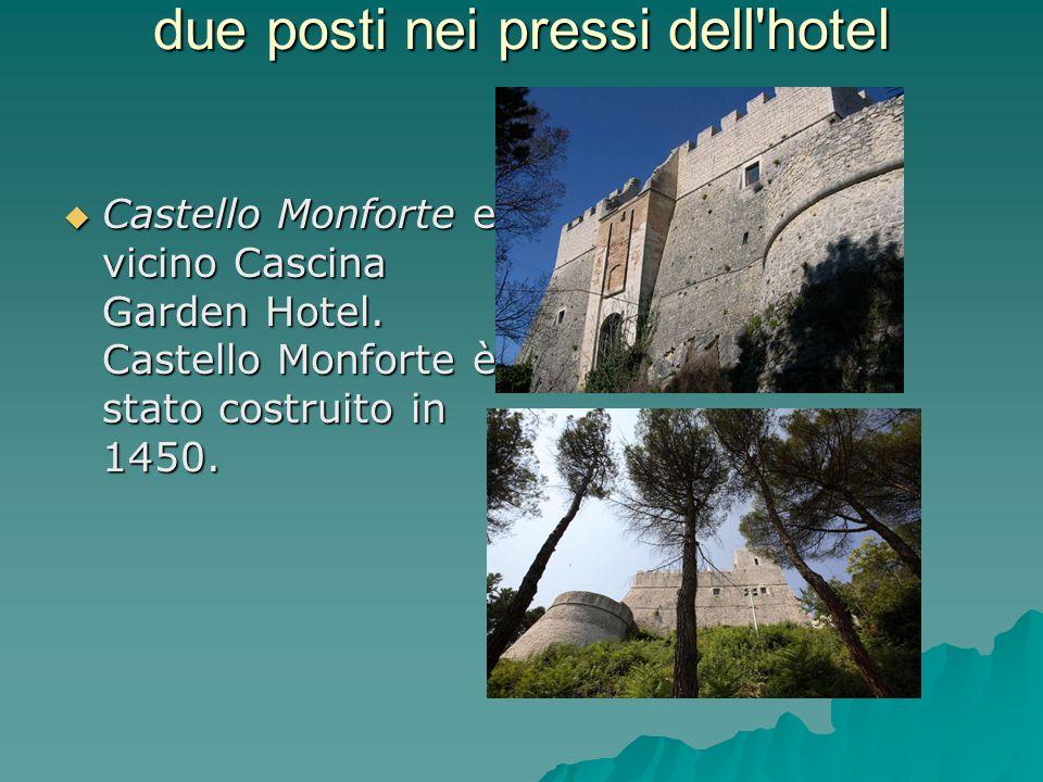due posti nei pressi dell'hotel  Castello Monforte e vicino Cascina Garden Hotel. Castello Monforte è stato costruito in 1450.