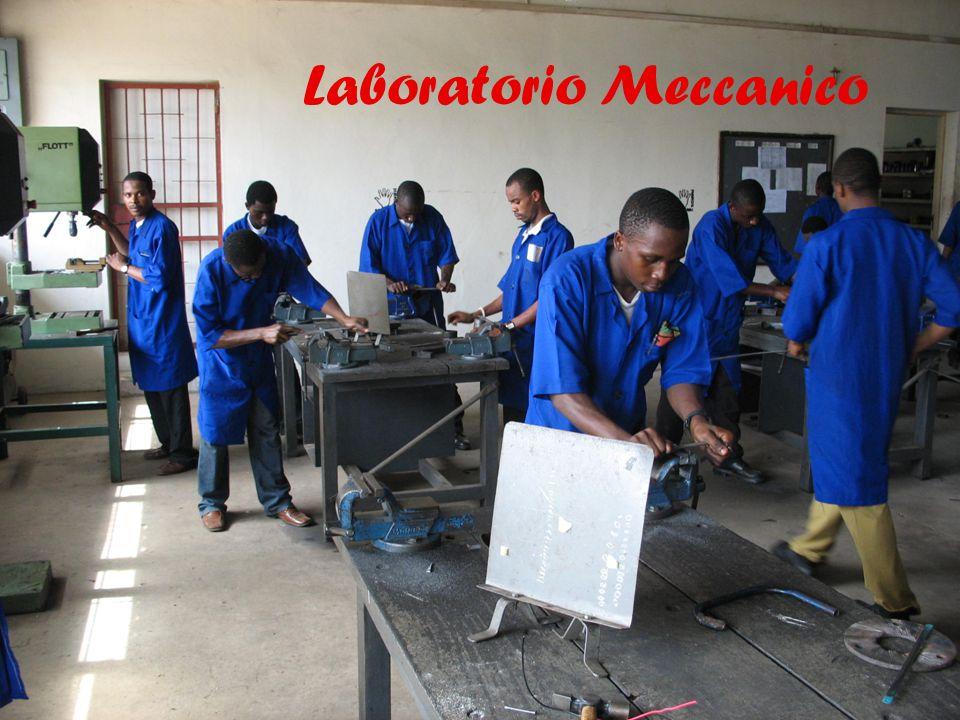 15 Laboratorio Meccanico