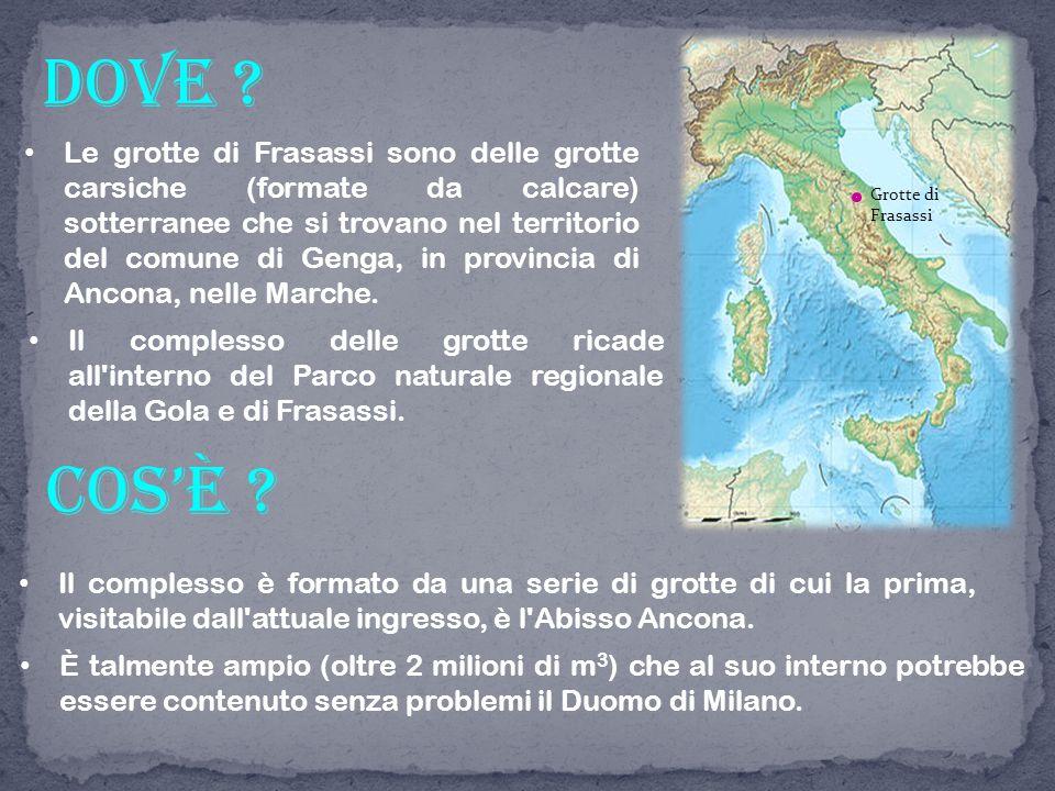 All interno delle grotte di Frasassi c è una temperatura costante di 14 °C e un umidità del 100%.