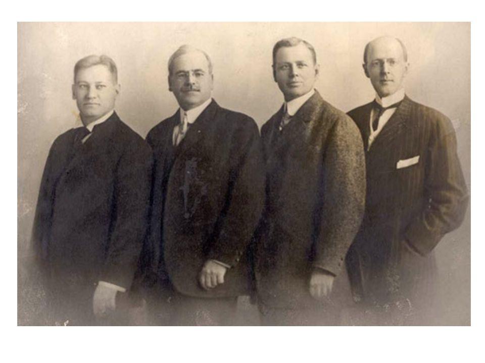 L'inizio E' Il 23 febbraio 1905, quando Paul P. Harris, Gustavus Loehr, Silvester Schiele e Hiram E. Shorey si sono riuniti a Chicago per una riunione