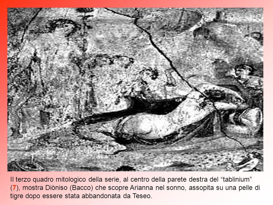 """Nell'angolo nord-est del """"tablinium"""" (7) vi è la raffigurazione di Dedalo che mostra a Pasifae, moglie di Minosse re di Creta, la vacca di legno per l"""