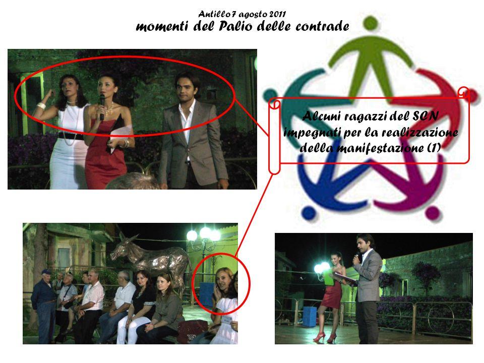 Antillo 7 agosto 2011 momenti del Palio delle contrade Le contrade: Grotta (in verde), Castello (in bianco) e Canigliari (in rossa )