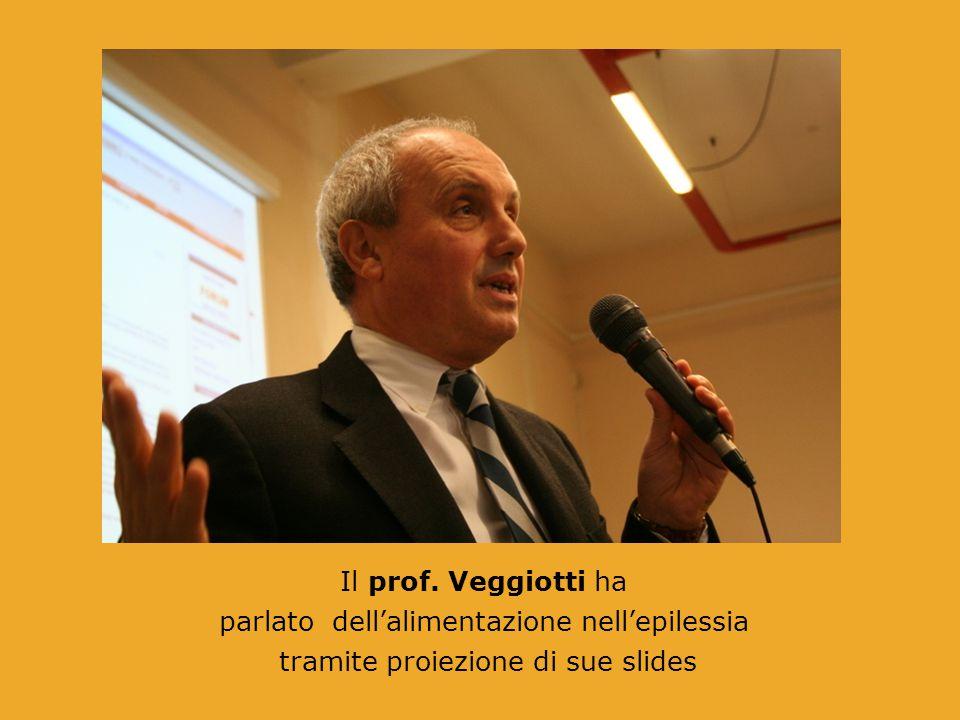 Il prof. Veggiotti ha parlato dell'alimentazione nell'epilessia tramite proiezione di sue slides