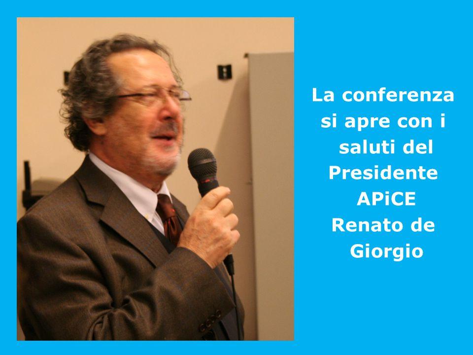 La conferenza si apre con i saluti del Presidente APiCE Renato de Giorgio