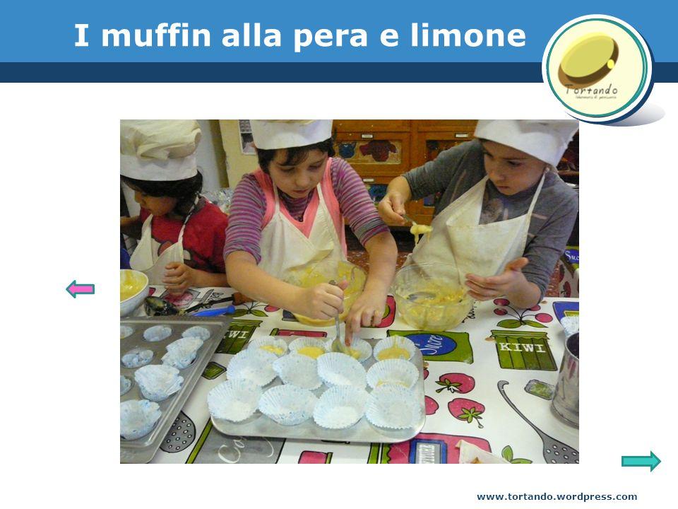 www.tortando.wordpress.com I muffin alla pera e limone