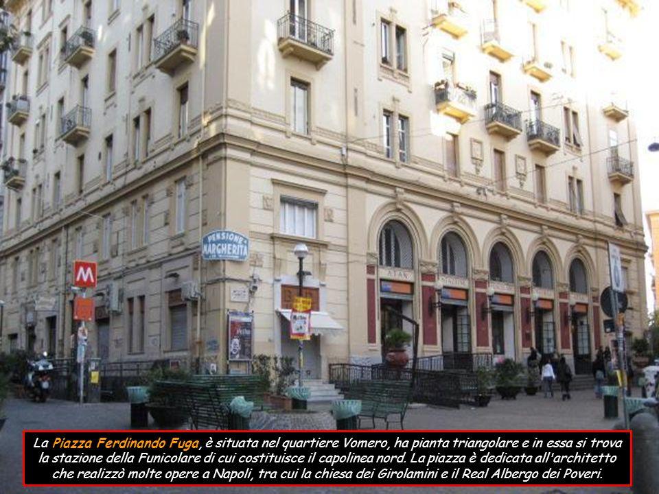 La piazzetta Duca d Aosta (piazzetta Augusteo), deve il suo nome per la presenza del Teatro Augusteo, costruito tra il 1926 e il 1929 e fu realizzata come slargo per il traffico di passeggeri della stazione terminale della Funicolare che collega il centro storico con il quartiere Vomero.