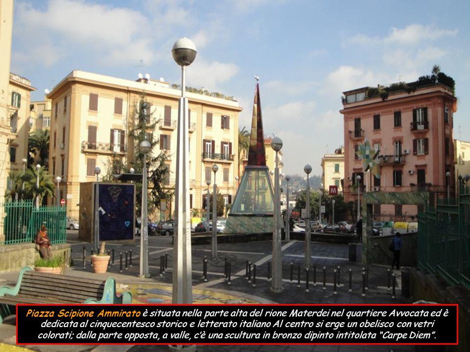 Piazza Dante è una delle più importanti di Napoli, sita nel centro storico costituisce l inizio di via Toledo.
