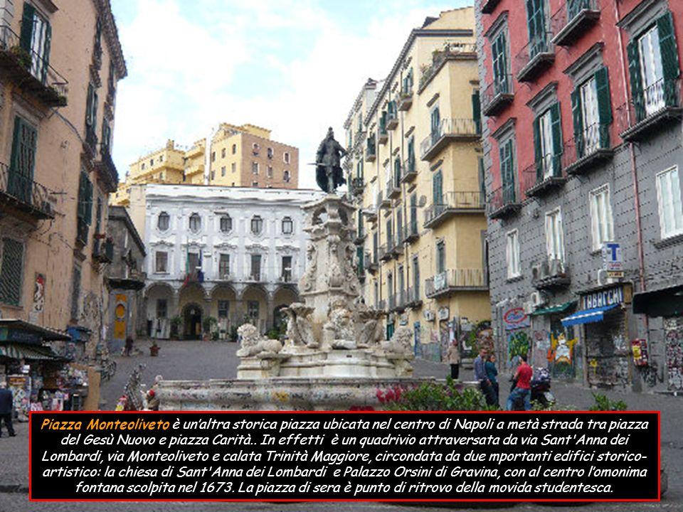 Piazza del Mercato (già Foro Magno, detta comunemente Piazza Mercato ) è la storica piazza di Napoli, del quartiere Pendino, dove si svolgevano le esecuzioni capitali (Corradino di Svevia, e quelle dei giacobini).