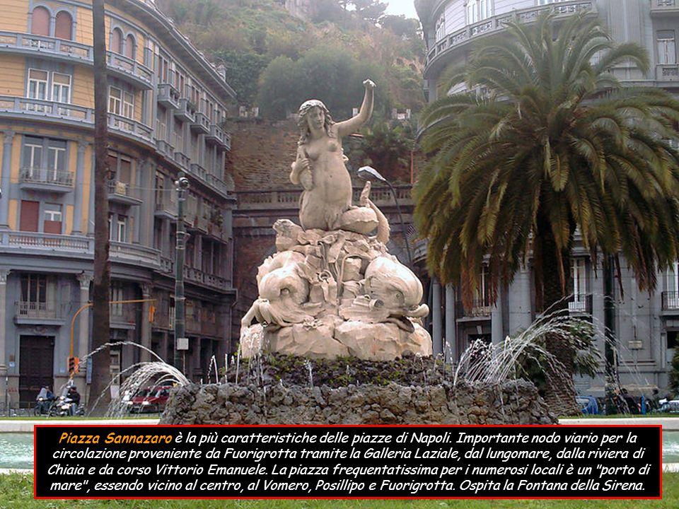 Piazza San Gaetano storica ed importante piazza napoletana.