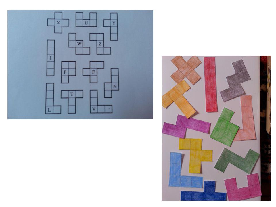 CONSEGNA DEL LAVORO: Si invitano i bambini a coprire un quadrato composto da 25 caselle, senza lasciare spazi vuoti, utilizzando le figure ritagliate.