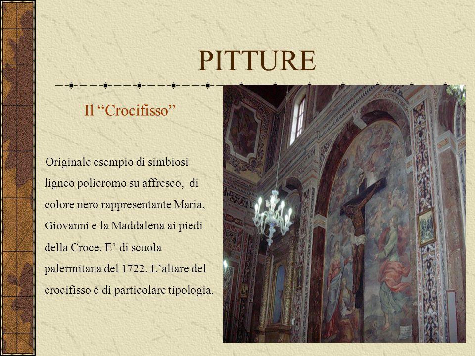 """PITTURE Il """"Crocifisso"""" Originale esempio di simbiosi ligneo policromo su affresco, di colore nero rappresentante Maria, Giovanni e la Maddalena ai pi"""