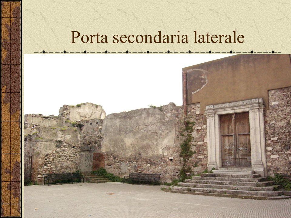 Porta secondaria laterale