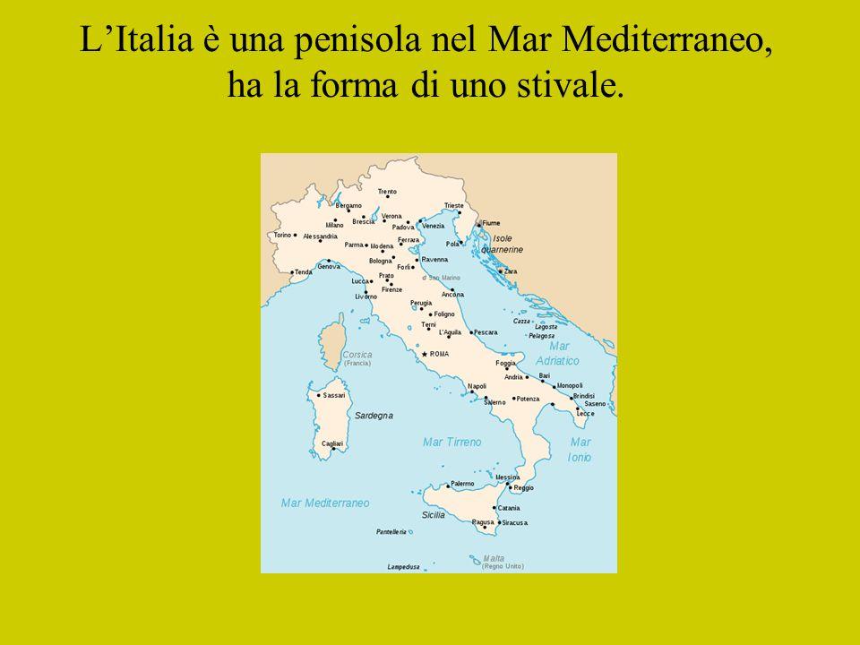 La Costituzione contiene tutti i diritti e doveri dei cittadini italiani Tutti i cittadini sono uguali davanti alla legge Articolo 1: L Italia è una Repubblica democratica, fondata sul lavoro.