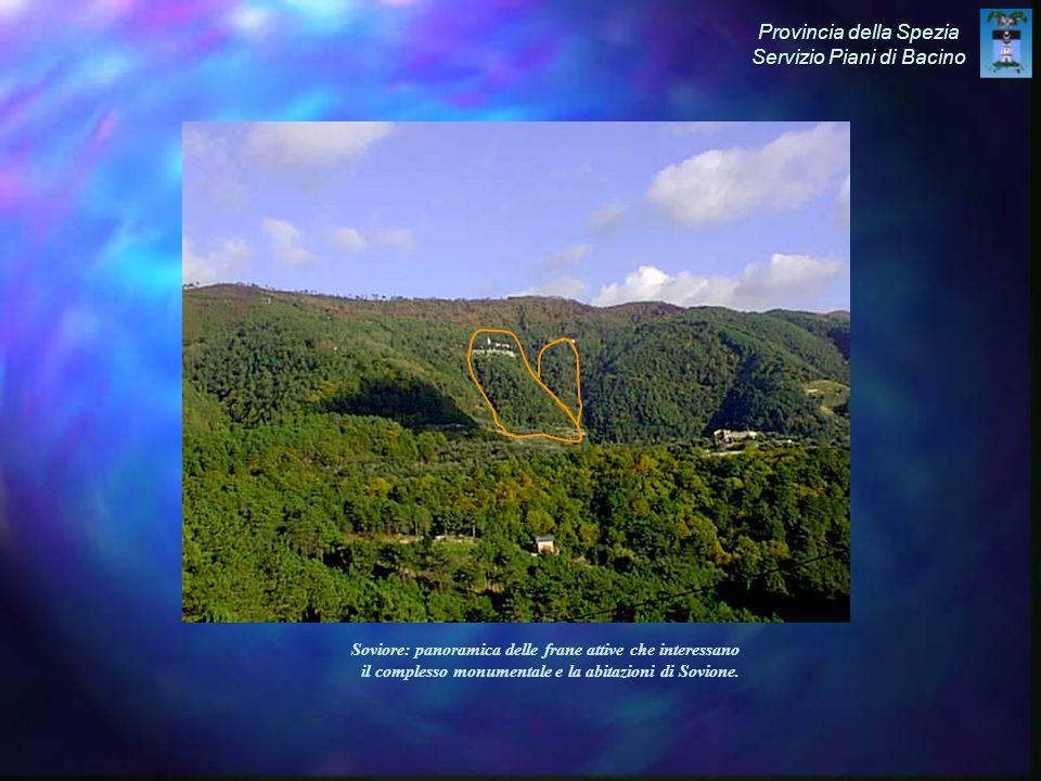 Soviore: panoramica delle frane attive che interessano il complesso monumentale e la abitazioni di Sovione.