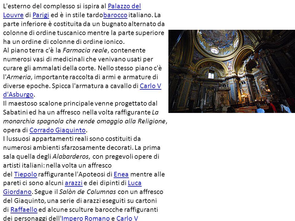 L'esterno del complesso si ispira al Palazzo del Louvre di Parigi ed è in stile tardobarocco italiano. La parte inferiore è costituita da un bugnato a