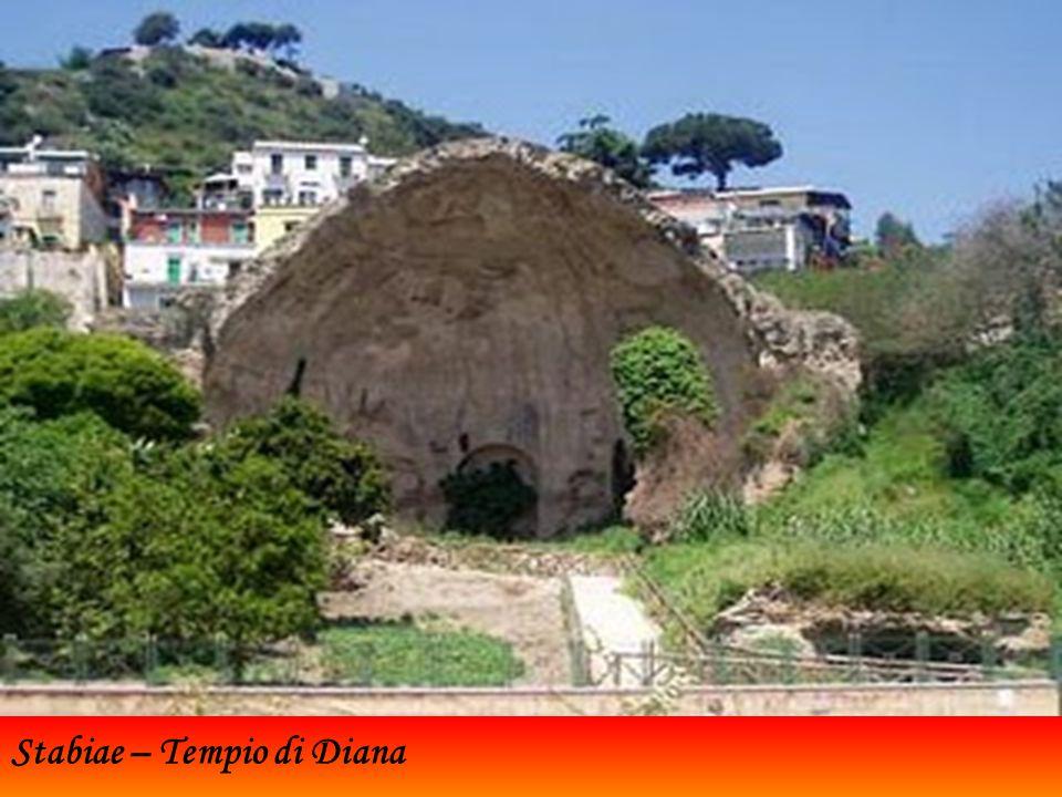 Stabiae (qui il porto in una vecchia stampa) era un'antica città dell'Italia meridionale in Campania che sorgeva nei pressi dell odierna Castellammare di Stabia, in una zona chiamata Varano a pochi passi dal comune di Gragnano.