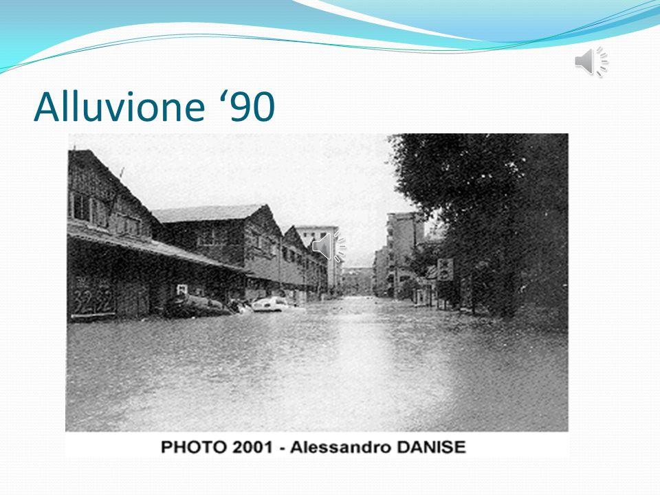 ALLUVIONE DEL '90 Il 23 settembre 1993 Voltri è stata colpita da una tremenda alluvione che ha generato nuove paure, ansie, sconforto e rabbia da part