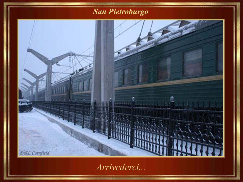 San Pietroburgo E questa era la bella San Pietroburgo in cui Dostoevskij profetizzò: