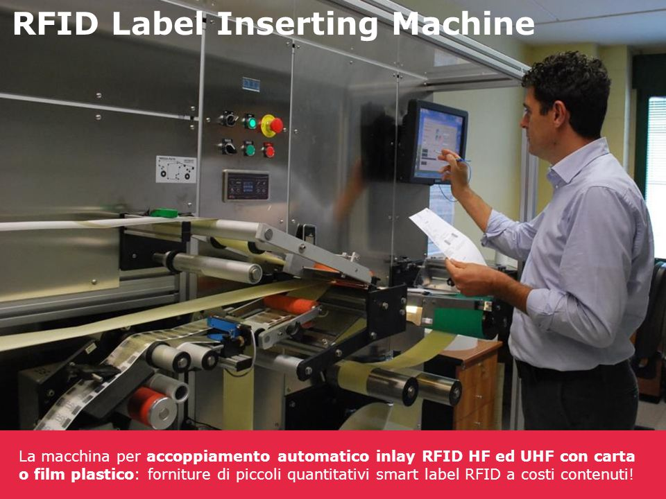 RFID Label Inserting Machine La macchina per accoppiamento automatico inlay RFID HF ed UHF con carta o film plastico: forniture di piccoli quantitativ