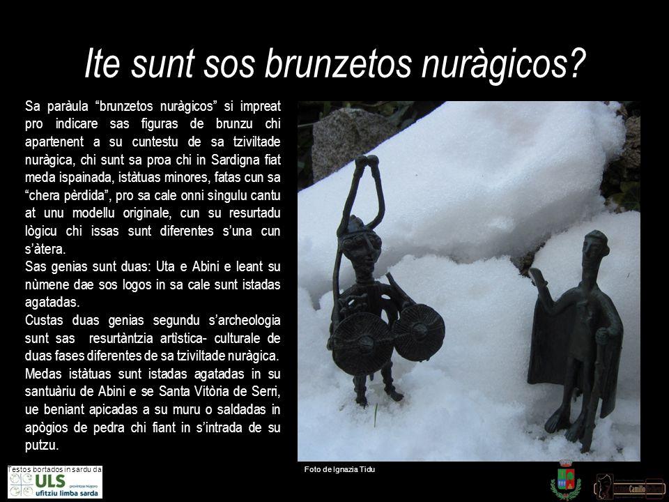 "Ite sunt sos brunzetos nuràgicos? Testos bortados in sardu dae Foto de Ignazia Tidu Sa paràula ""brunzetos nuràgicos"" si impreat pro indicare sas figur"